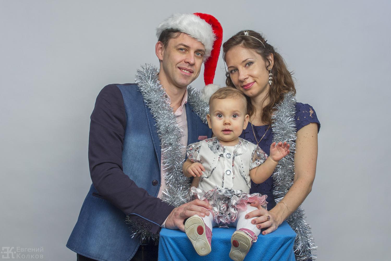 Семейная фотосъемка в студии. Фото: Евгений Колков